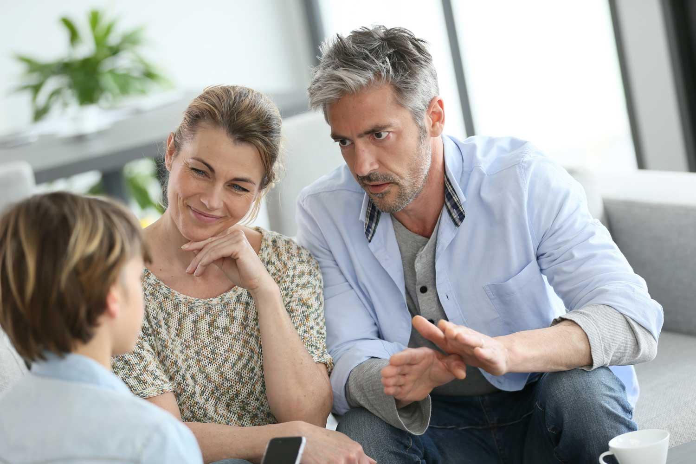 8 τρόποι για να μιλήσετε με το παιδί σας για τη ΔΕΠΥ
