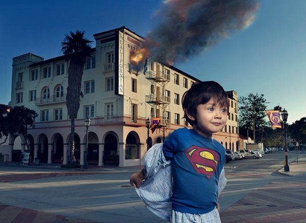 Eddie – Superboy!: Τρυφερός Πατέρας μεταμορφώνει το αυτιστικό παιδί του σε υπερήρωα!