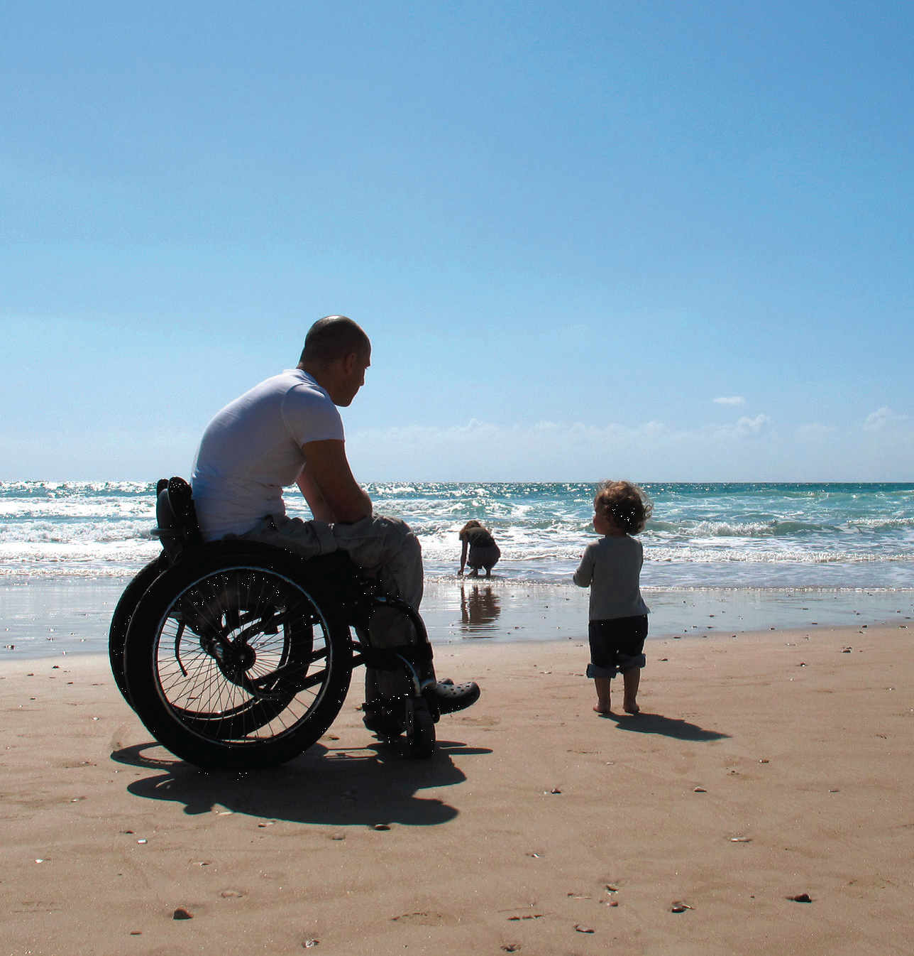 Wheelchair-access-onto-beach