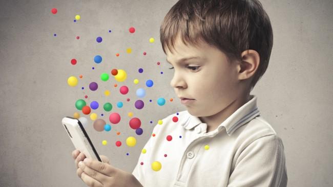 Οι επιστήμονες μελετούν το μυαλό των παιδιών μέσα από ηλεκτρονικά παιχνίδια