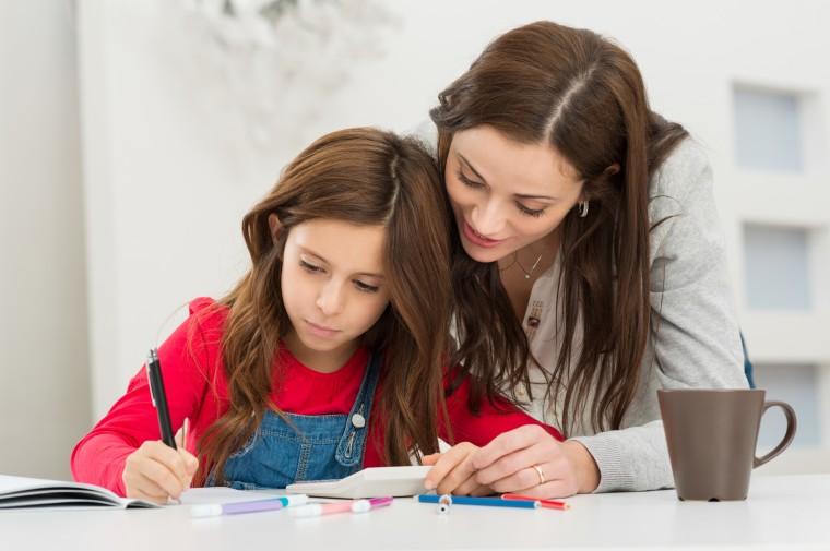 9 Συμβουλές για να στήσετε το χώρο μελέτης του παιδιού σας
