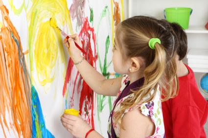 Οι 5 δεξιότητες που αναπτύσσουν τα παιδιά μέσω της τέχνης