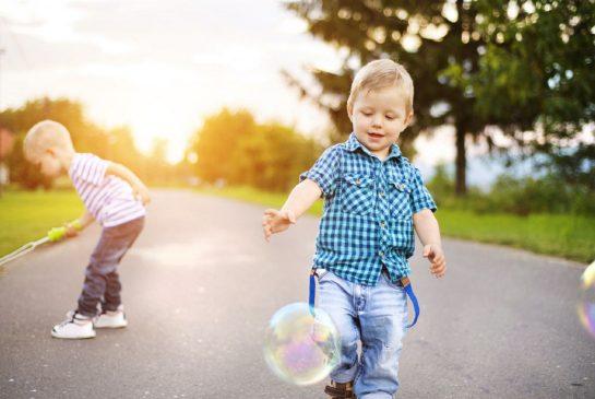 Πότε θα πρέπει να ανησυχούμε για την ανάπτυξη του παιδιού; Σημάδια ανά ηλικία