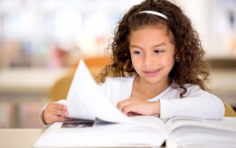 5 τρόποι για να βοηθήσετε το παιδί του Δημοτικού στην κατανόηση κειμένου