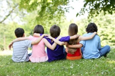 Τρόποι για να βοηθήσετε ένα παιδί με Μαθησιακές Δυσκολίες να κάνει φίλους