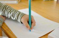 10+1 tips για να βοηθήσετε το παιδί να ελέγξει την πίεση που ασκεί στο μολύβι