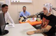 Ρομποτικός εξωσκελετός χειρός επέτρεψε σε τετραπληγικούς να πιάσουν αντικείμενα