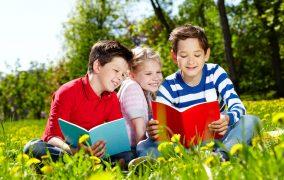 Πώς επηρεάζει η φωνολογική ενημερότητα την αναγνωστική ικανότητα των παιδιών;